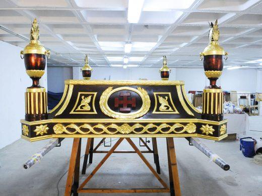 (Fotos) El Santo Sepulcro se renueva para salir esta Semana Santa en Maó