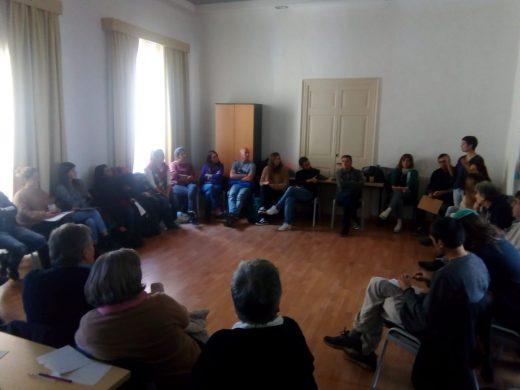 Decenas de personas viven la migración en Alaior