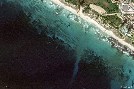 Imagen aérea publicada por Google Earth de la playa de Son Bou