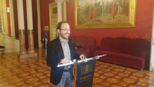 Josep Castells, diputado de Més per Menorca, solicitó un informe al Consell Assesor de Dret Civil