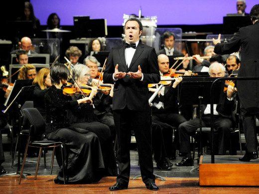 Actuación de Simón Orfila con la Orquesta Simfònica de Balears