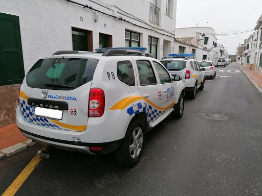 Coches de la Policía Local de Sant Lluís.