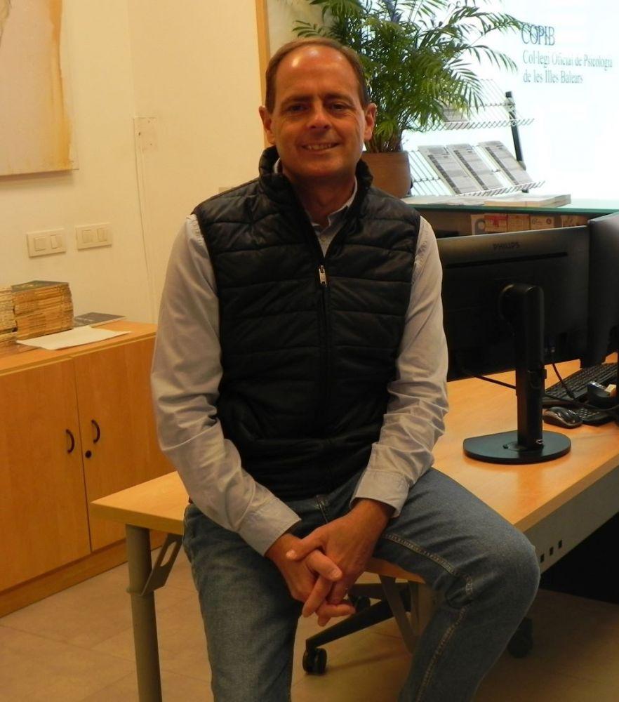 Javier Torres, decano del COPIB