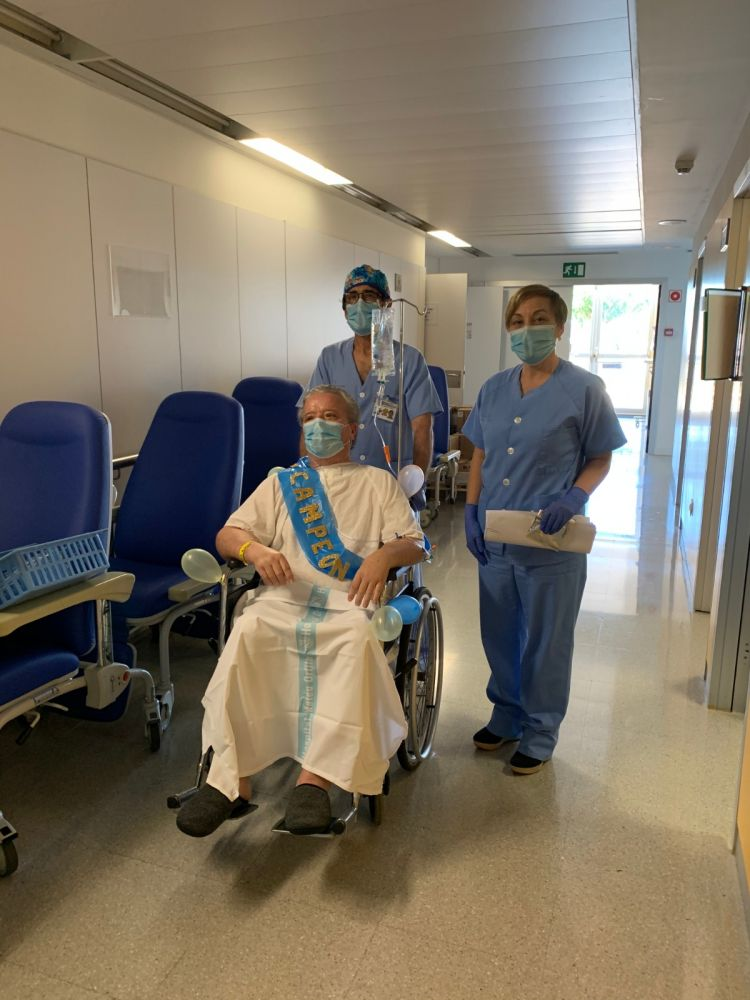Valentín, de 68 años, el último paciente de la UCI
