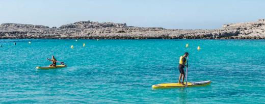 Paddle surf en aguas de la Isla (Foto: Menorca Activa)
