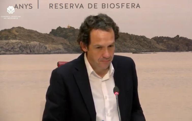 El conseller Marc Pons en la rueda de prensa de este lunes en Menorca