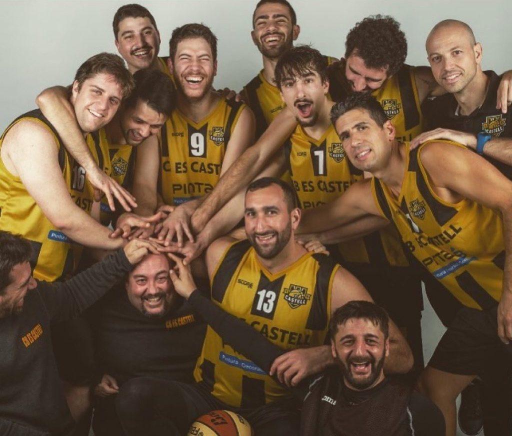 Felicidad en el equipo de Joan Martínez Escala (Foto: CB Es Castell)