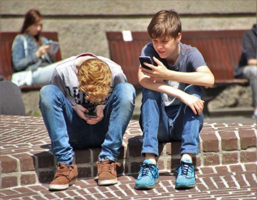 Adolescentes tecnológicos.