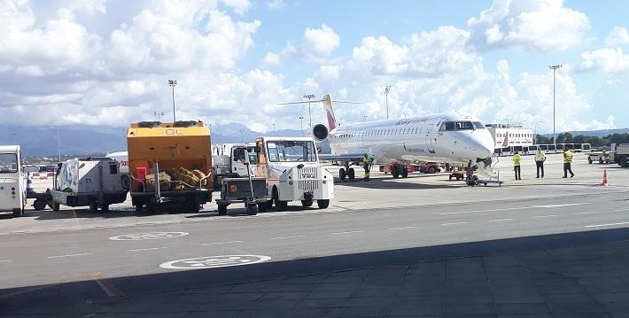 Muy pocos aviones en el parking.