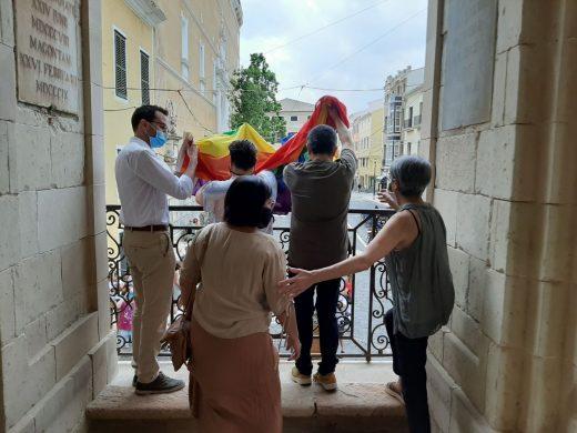 (Fotos) Maó conmemora el Día del Orgullo LGTBIQ+