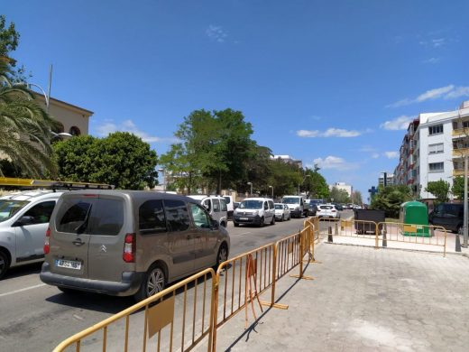 Atascos en Maó por las obras en la rotonda de La Salle