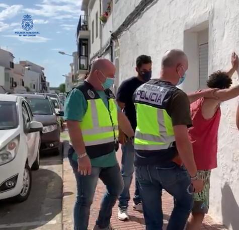 Imagen de la detención enviada por la Policía Nacional de Maó