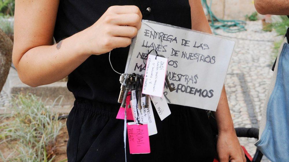 Ya no pueden más. Los autónomos de temporada entregan las llaves de sus negocios (Foto: Tolo Mercadal)