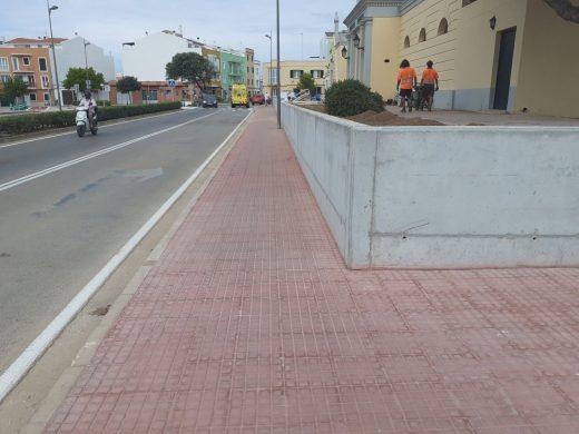 Finalizan las obras de reforma de la plaza junto al cementerio viejo de Ciutadella