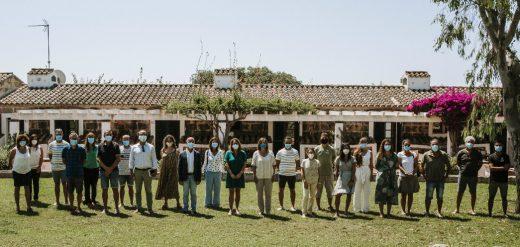 Los propietarios de las empresa reunidos en Morvedra