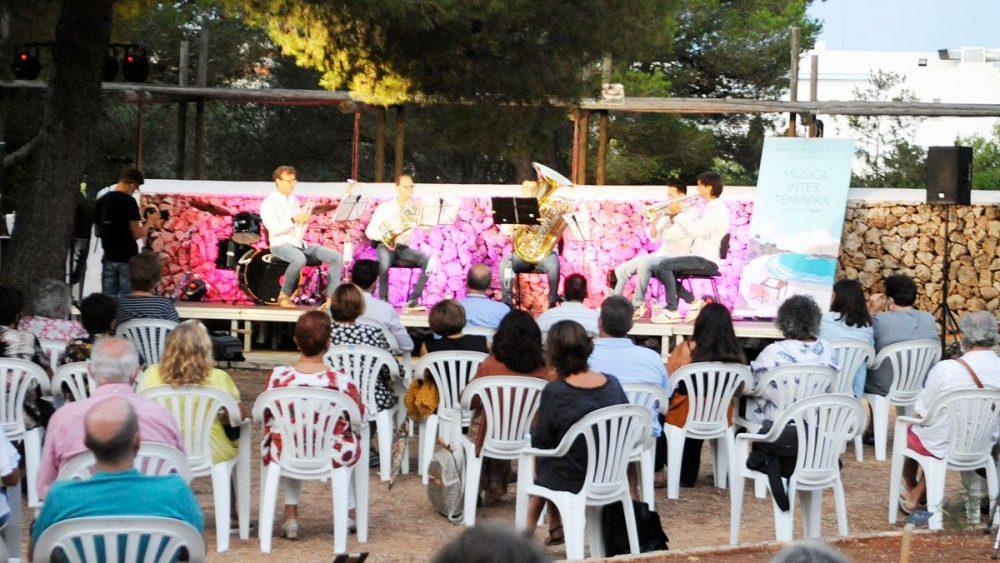 Un momento de la actuación (Fotos: Tolo Mercadal)