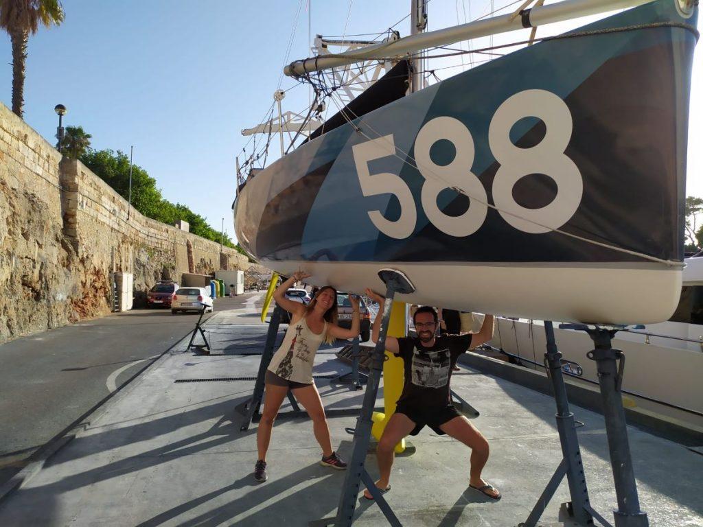 Moll con su embarcación Allevà (Foto: CN Ciutadella)