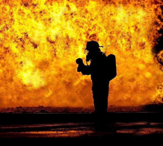 La vida está en peligro cuando prende un incendio
