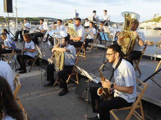 (Fotos) La música toma el puerto de Maó