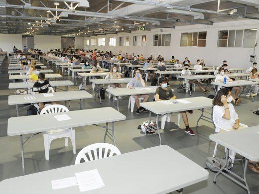 (Fotos) 445 menorquines buscan plaza en la universidad