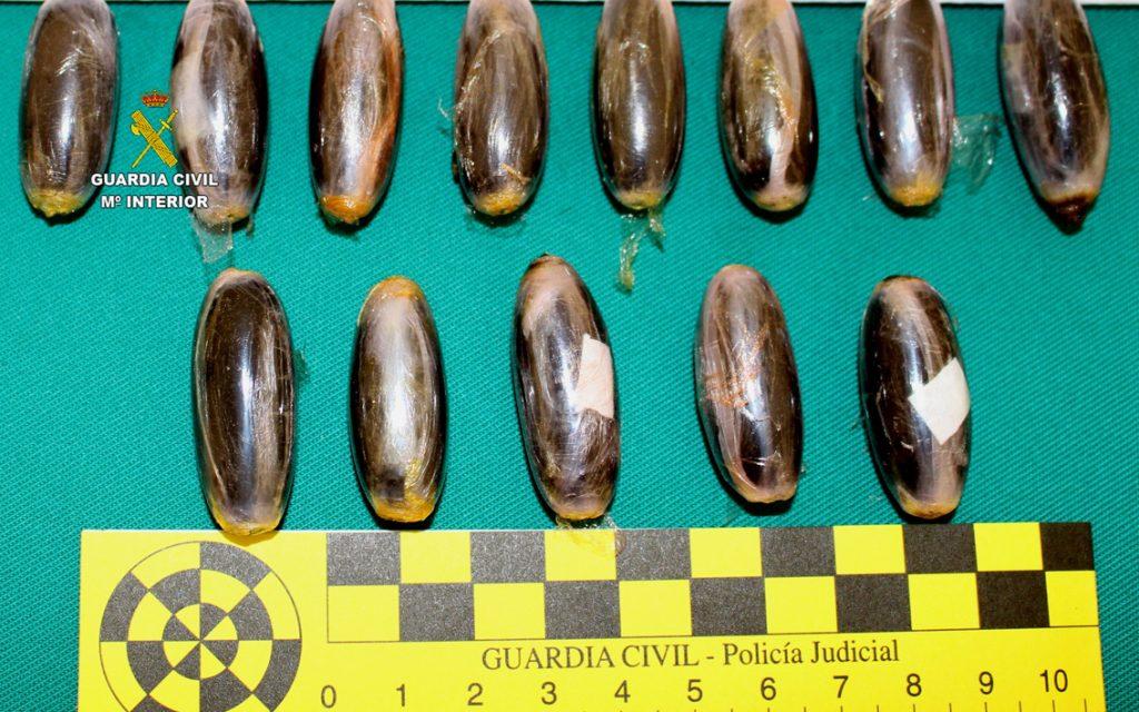 """Imagen de las """"bellotas"""" de hachís (Foto: Guardia Civil)"""