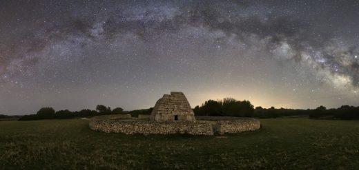 Cielo nocturno de Menorca en la imagen de biosferamenorca.org