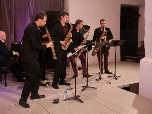 """(Fotos) """"Kebyart Ensemble"""": una caja de sueños en Ciutadella"""