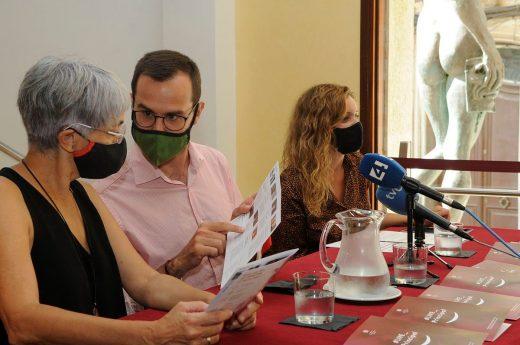 Conxa Juanola, Héctor Pons y Àngela Vallés han presentado la programación del Teatro para setiembre