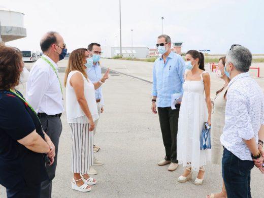 (Fotos) La familia real visita las instalaciones de Coinga en Alaior