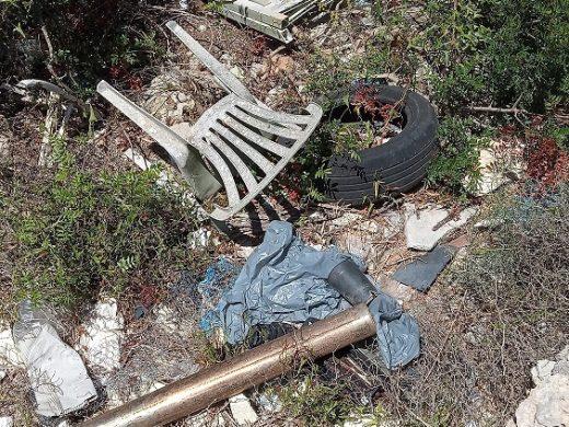 (Fotos) Denuncian un vertedero ilegal en s'Algar