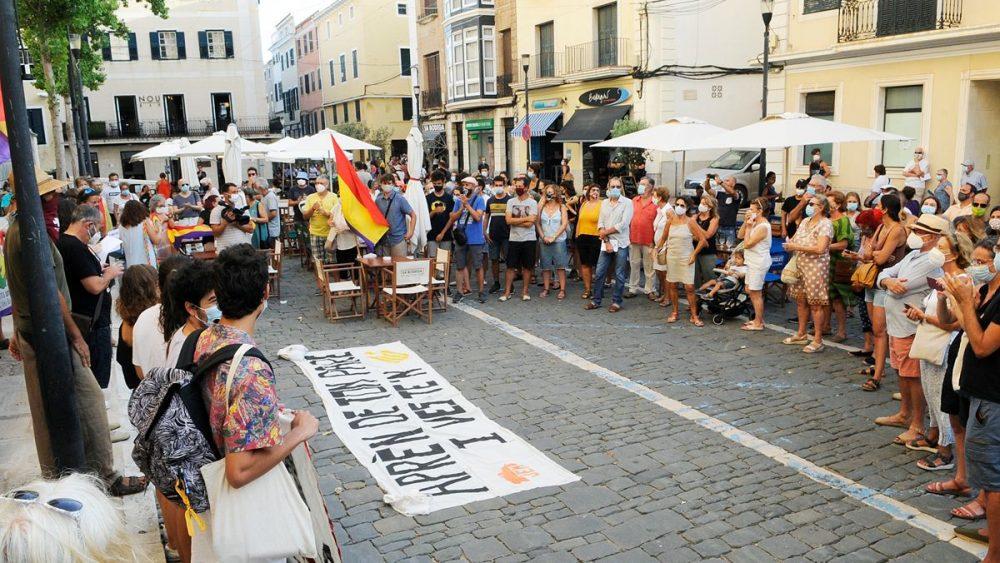 Fotografía de la concentración en Maó (Fotos: Tolo Mercadal)