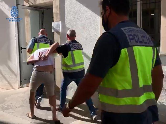 El detenido fue trasladado a las dependencias policiales