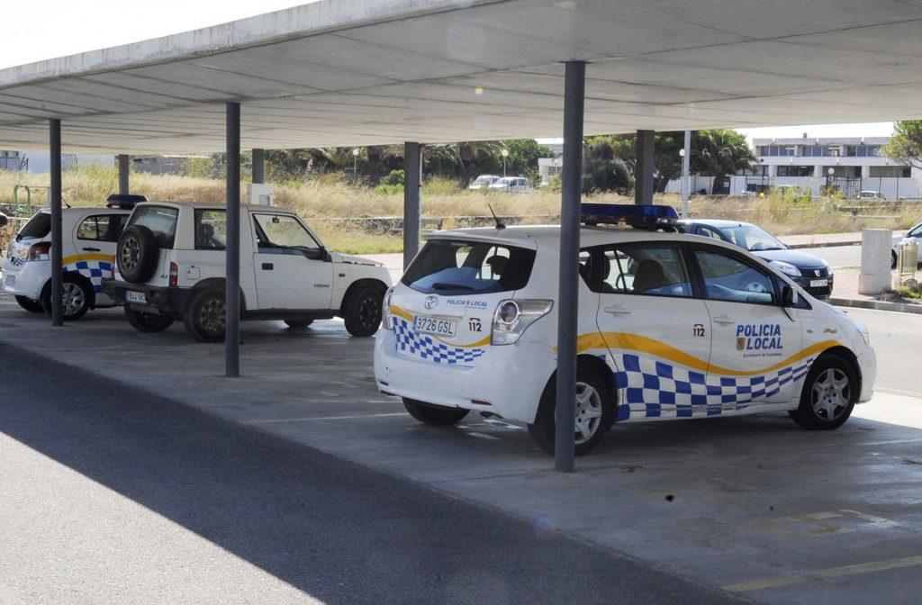 Un domingo movido para la Policía Local de Ciutadella (Foto: Menorc@aldia).