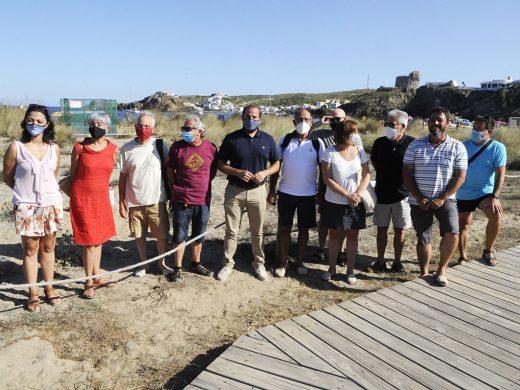 50 voluntarios vigilan la posible eclosión de huevos de tortuga en Menorca