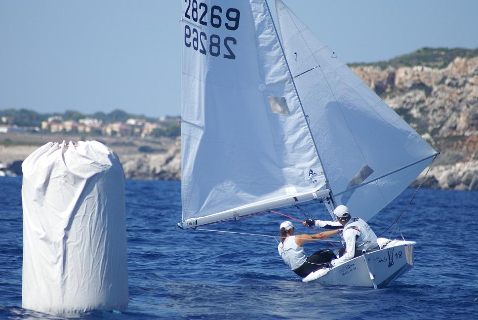 Borrás y Franceschi, en un momento de la regata (Foto: CM Mahón)