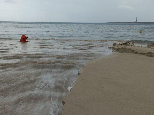 (Fotos) Una fuerte tormenta inunda Punta Prima