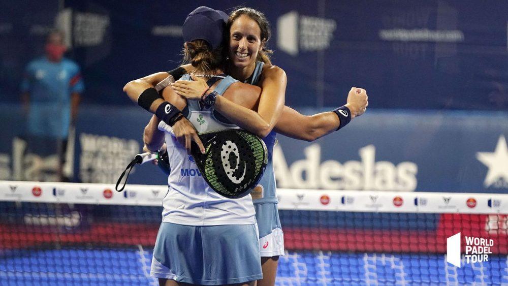 Triay y Sainz se abrazan tras la victoria (Fotos: WPT)