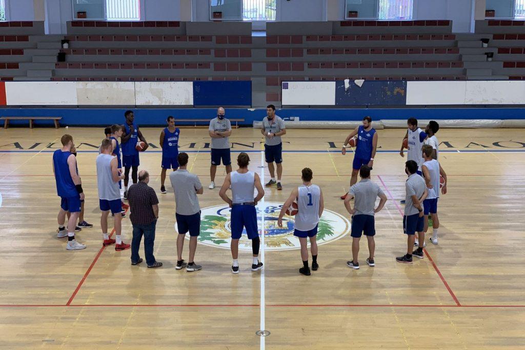 Entrenamiento del equipo en el polideportivo de Maó (Foto: Hestia Menorca)