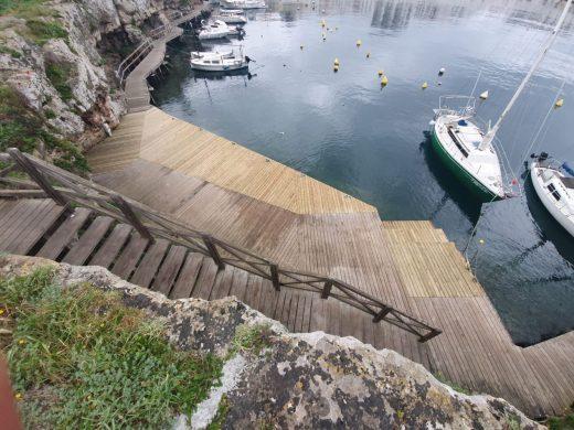(Fotos) Restauran la pasarela del muelle de Calesfons