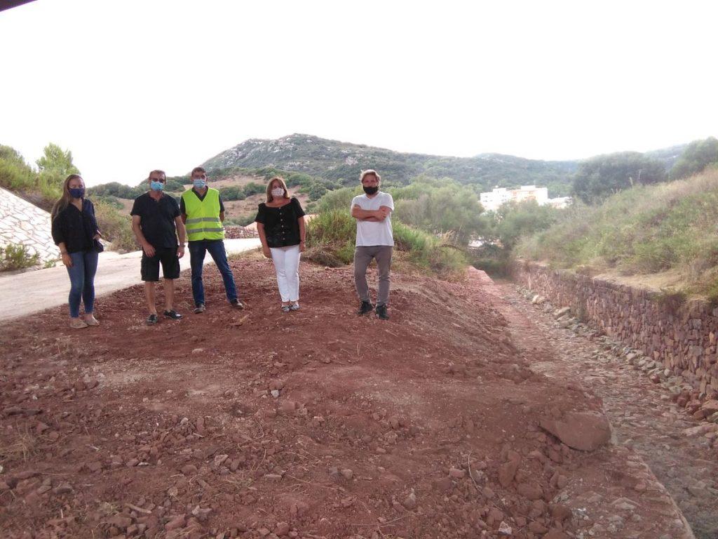 Imagen de una visita de obras a la zona