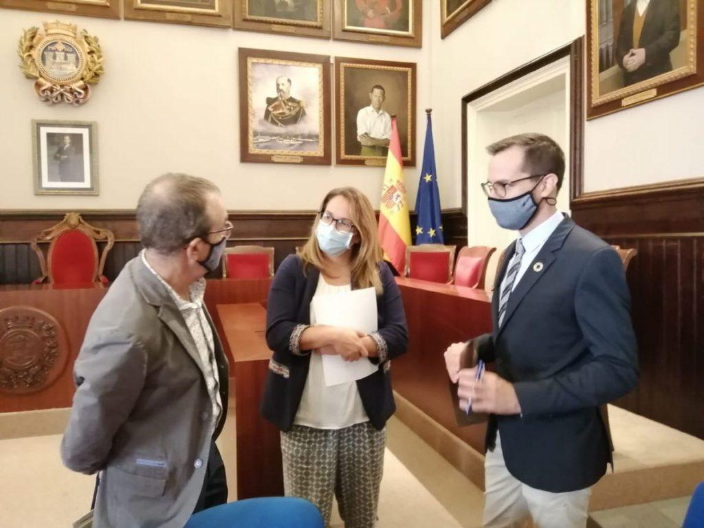 Representantes del Govern, Consell y Ayuntamiento han firmado el convenio del Plan de Mejora de la Calidad del Aire de Maó