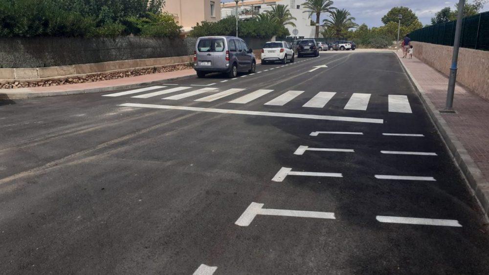 Mejora del asfaltado en la calle Rossinyol (Fotos: Ajuntament de Ciutadella)
