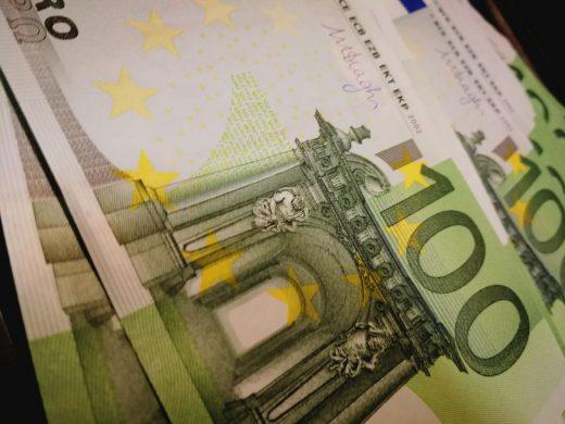 465.000 euros.