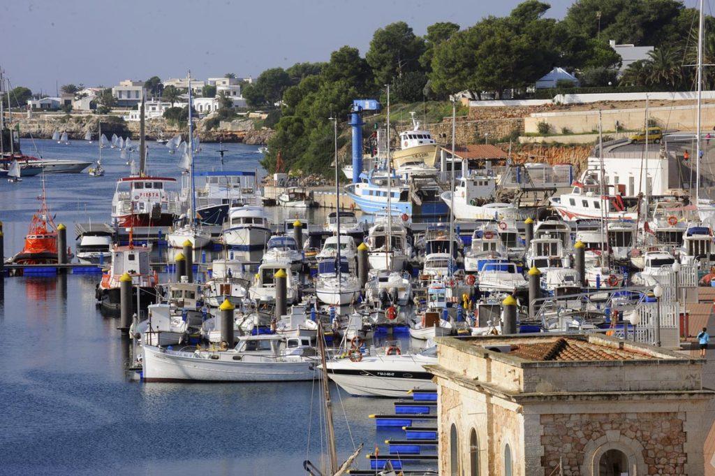Amarres en el puerto de Ciutadella