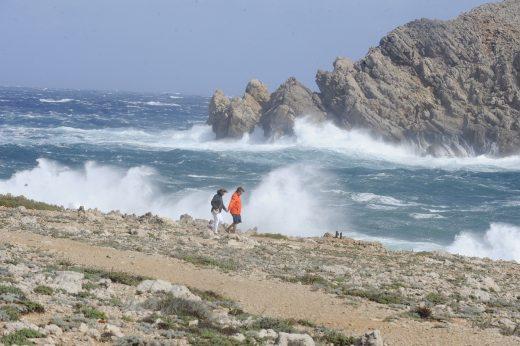 Se esperan olas de más de 3 metros de altura