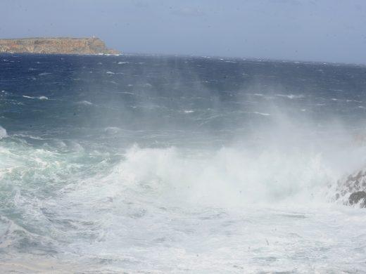 (Fotos y vídeo) El viento alcanza los 93Km/h