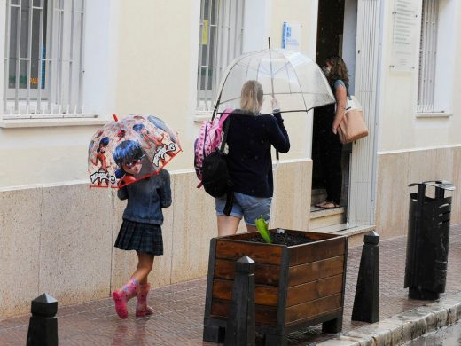 (Galería de fotos) Arranca en Menorca el curso de la mascarilla