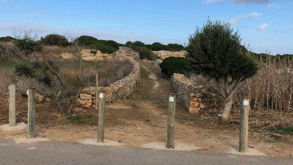 Detalle de cómo ha quedado el camino (Fotos: Ajuntament d'Es Castell)