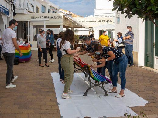 (Galería de fotos) El arco iris luce en bancos de Es Mercadal y Fornells