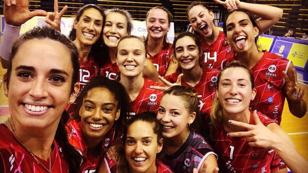 Selfie tras la victoria en Las Palmas (Foto: Vòlei Ciutadella)